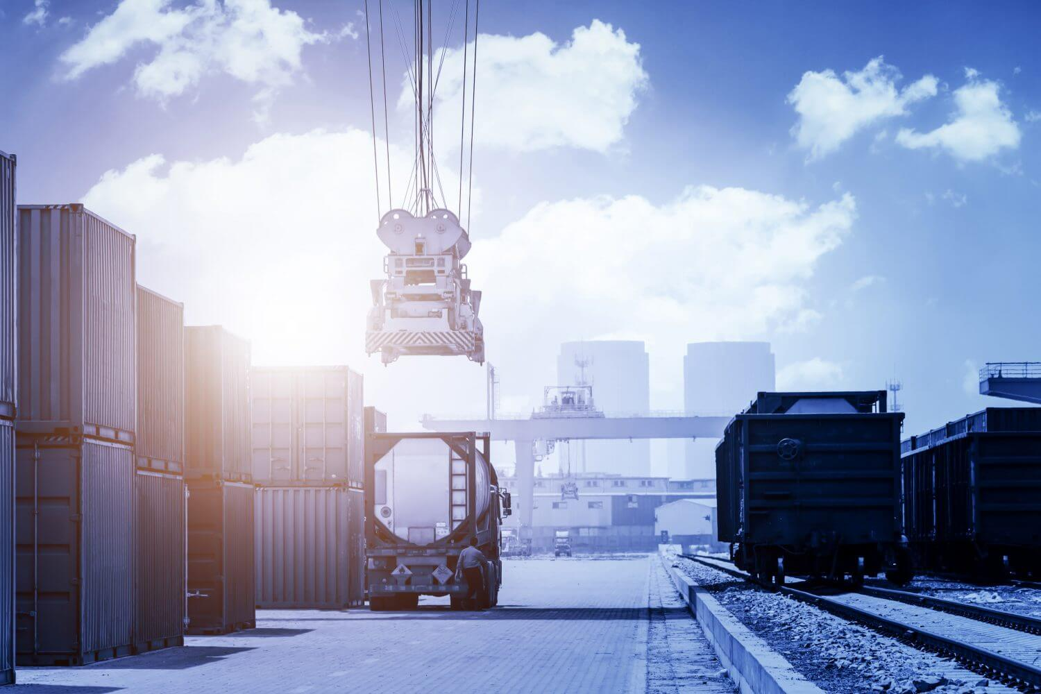 logistics will be more challenging and advanced in the future with these 7 technologies to improve logistics efficiency.