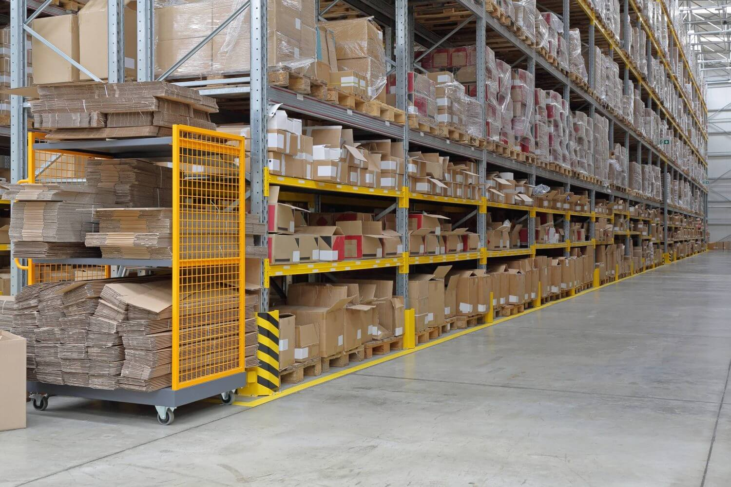 warehouse layout and selective racking