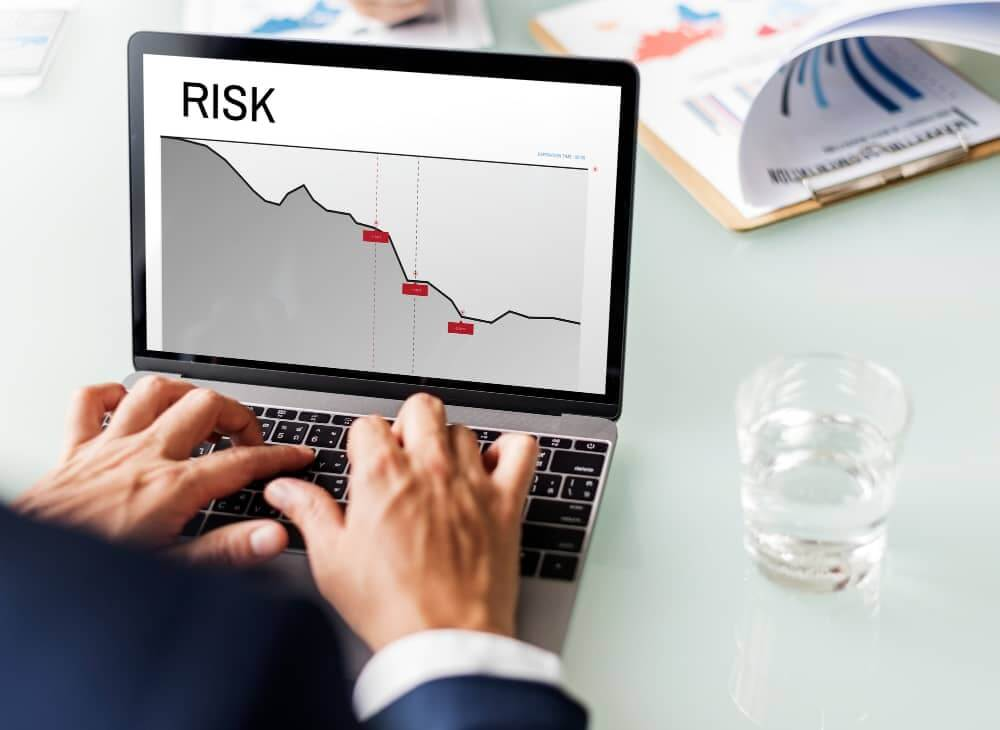 business and supply chain challenge and risk that might happen in 2020